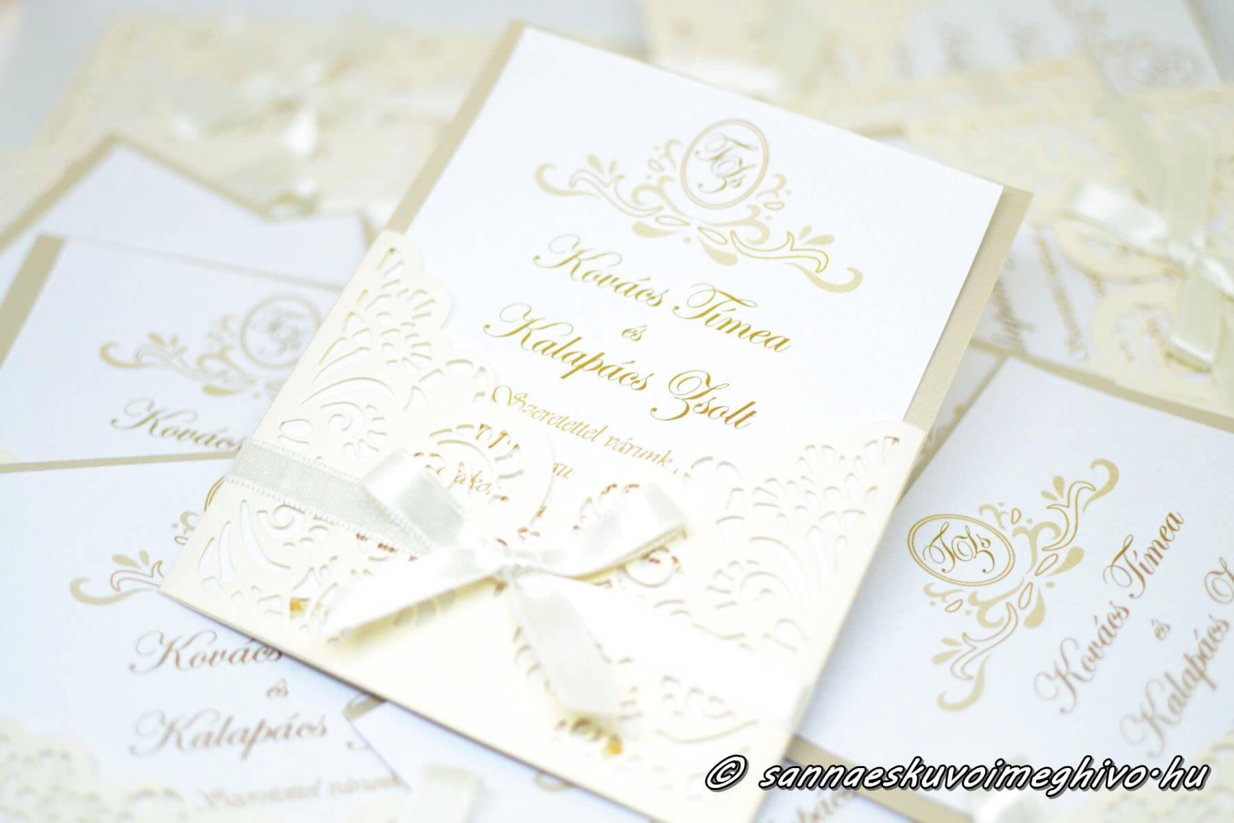 Ölelő szirmok esküvői meghívó